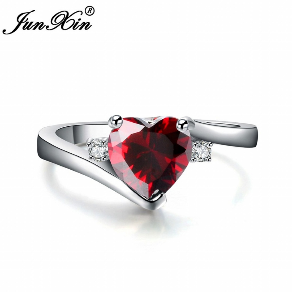 Luxury Female Heart Ring-1087